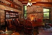 thumb_28_diningroom.jpg